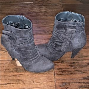 Sassy Faux Suede Bow Boots, Size 6